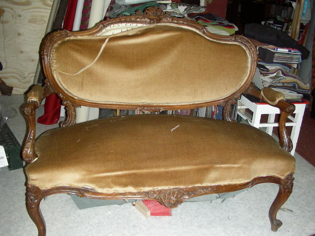 Rokokoo sohva ennen